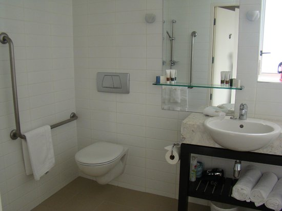 The Reef Resort - Heritage Collection: Bathroom