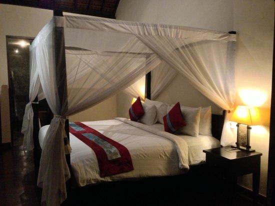 The Khayangan Dreams Villas : room