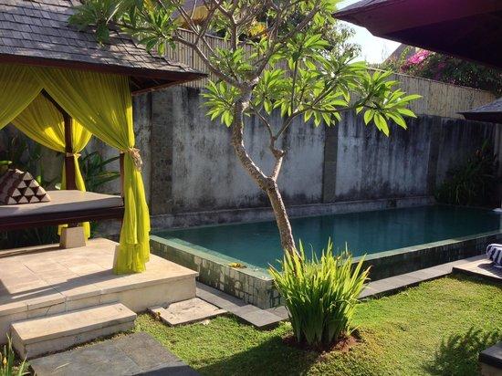 The Khayangan Dreams Villas : private pool & massage canopy