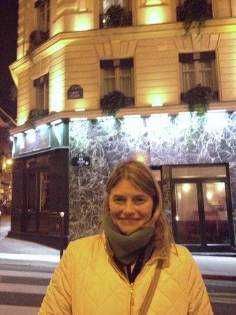 Grand Hotel Saint-Michel: Desde la calle