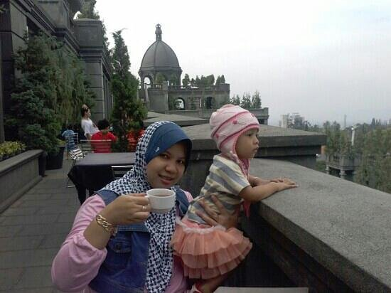 GH Universal Hotel: breakfast at top hotel, excelence view. my wife and daughter love it