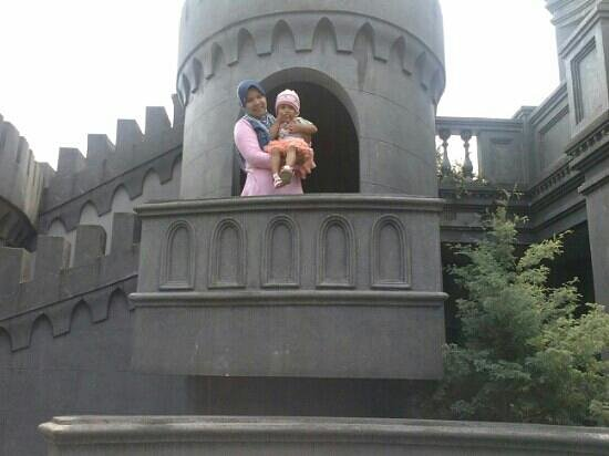 GH Universal Hotel: in small castle, child playing ground