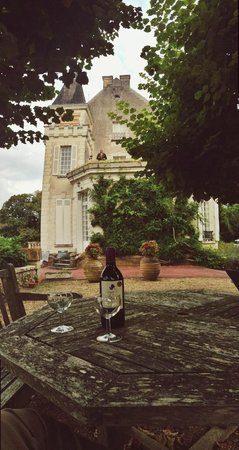 Chateau de la Villaine : Enjoying the wine from our room!