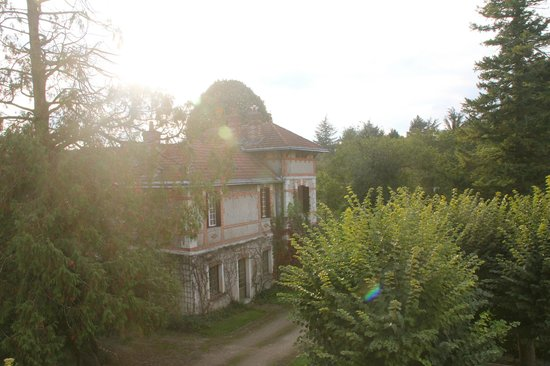 Chateau de la Villaine: The garden house