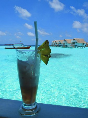 Centara Grand Island Resort & Spa Maldives: The view at Aqua bar