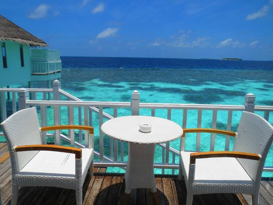 Centara Grand Island Resort & Spa Maldives: Outside deck