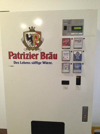 Hotel Rappen Rothenburg ob der Tauber: Vending machine in hall