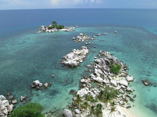 Belitung Island, อินโดนีเซีย: Rocks water