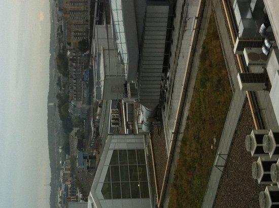 Jurys Inn Aberdeen: The view from my window. Train station below.