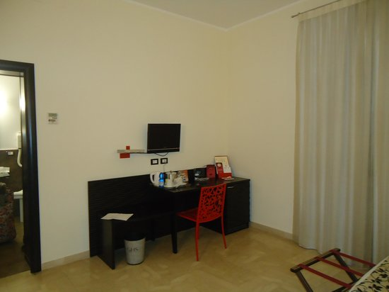 Hotel Garibaldi: detalhe do quarto