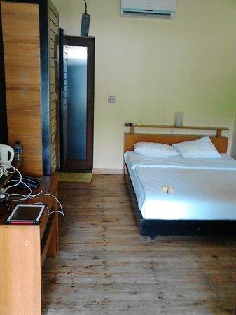 JavaCove Beach Hotel: pacitan room
