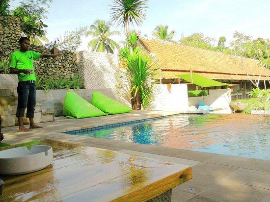 JavaCove Beach Hotel: swimming pool