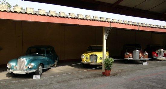 Auto World Vintage Car Museum: Cars - IX