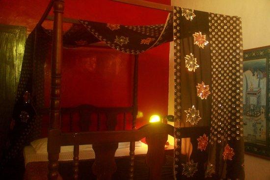 House of Arts: Art Decor Room