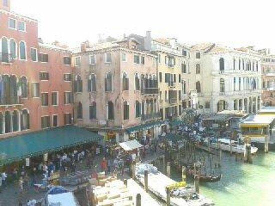 Apogia Sirio Venice: Rialto,ahí encuentras muchos restaurantes. Comimos una pizza cada uno gigantes y 2 bebidas, 10e