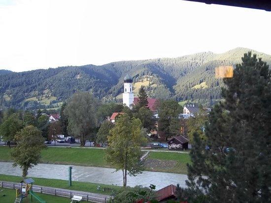 Parkhotel Sonnenhof: Balcony view