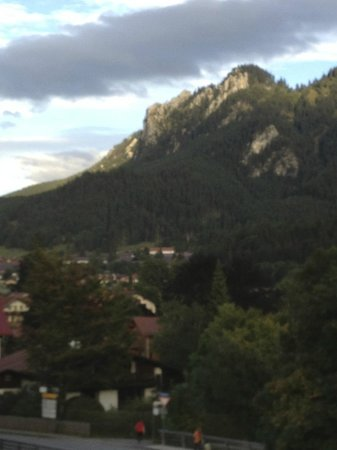 Parkhotel Sonnenhof: Mountain over Oberammeragu