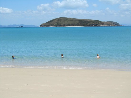 Great Keppel Island Holiday Village: Beach 3min walk from accom