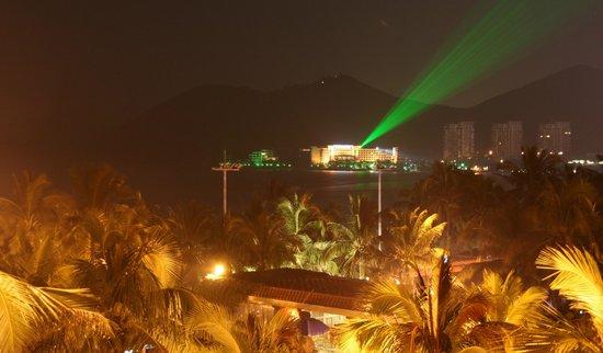 South China Hotel: Ночной вид с балкона