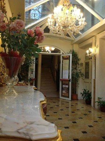Hotel Belle Epoque : Холл отеля, 1-ый этаж