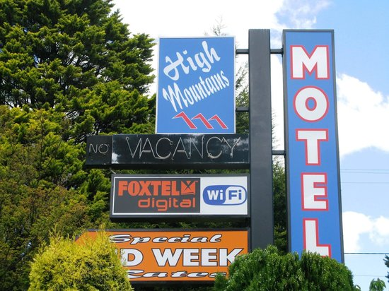 High Mountains Motor Inn: The Highway Signage