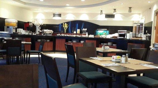 Sea Net Hotel: Dinning room