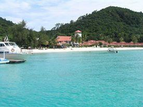Redang Bay Resort: the beach