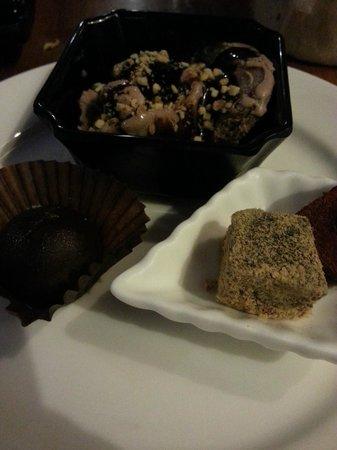 Jogoya : Haagen Dasz and Omochi dessert