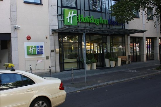 Holiday Inn Express Berlin City Centre: Entrance