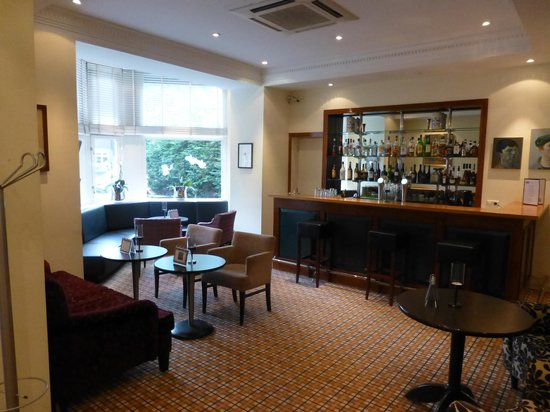The Alfred: Hotel Bar
