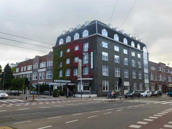 The Alfred: Hotel from across the crossroads
