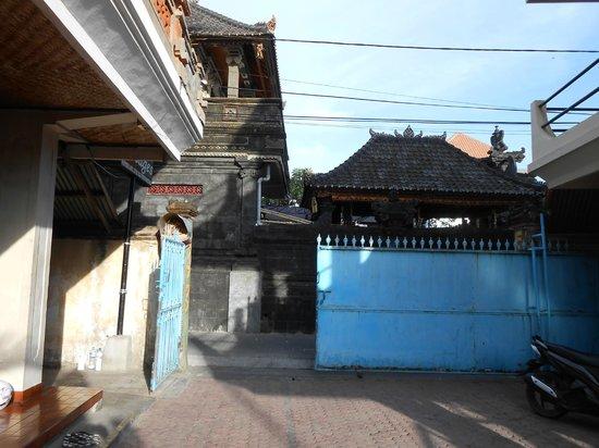 Hotel Lima Satu, 51 Cottages: gate