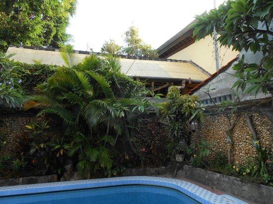 Hotel Lima Satu, 51 Cottages: garden