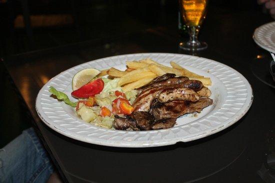 Floating neptune restaurant: мясное ассорти