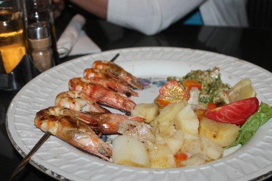 Floating neptune restaurant: креветки гриль