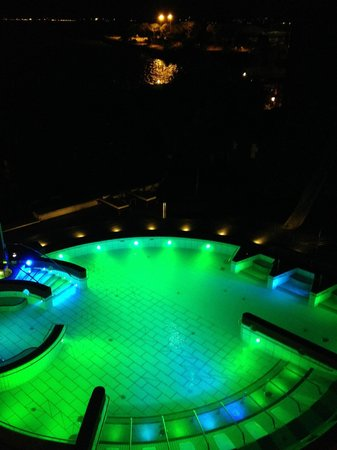Grand Hotel Terme: Thermalpool am Abend