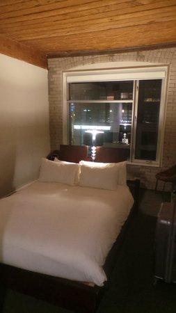 Hotel Ocho : Room