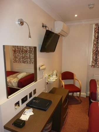 Comfort Inn Buckingham Palace Road: Habitacion 6