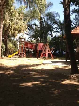 Kfar Maccabiah Hotel & Suites: игровая зона