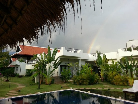 Navutu Dreams Resort & Wellness Retreat: even when it´s raining it is a beautiful place