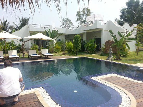 Navutu Dreams Resort & Wellness Retreat: Sweet Water Pool