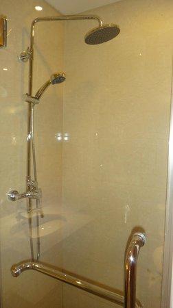 Joy Holiday Hotel Suzhou Yuanqu: Bathroom