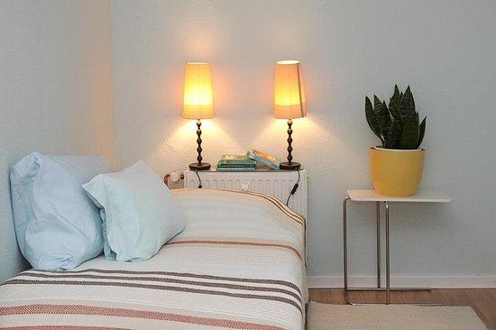Das Kremer Gästehaus: Einzel-bzw. 2-Bettzimmer indigo