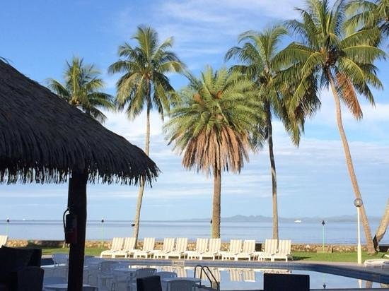 Holiday Inn Suva: view from the pool bar.