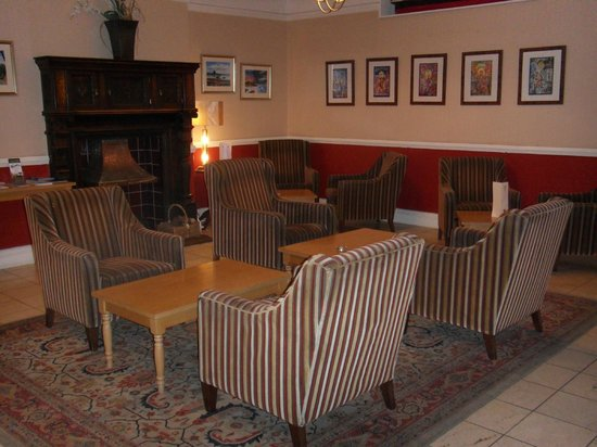 The White Swan Hotel : Reception Seating Area