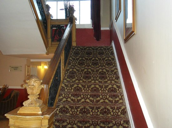 The White Swan Hotel : Reception Staircase