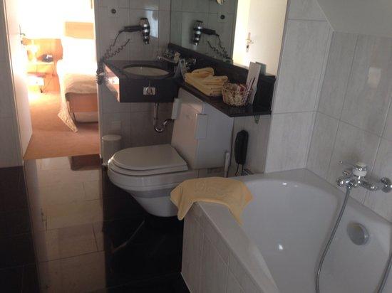 GAIA Hotel: La salle de bain