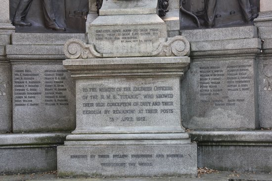 Titanic Engineer Officers Memorial : The engraving on the memorial