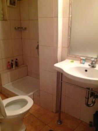 Hotel Tony : Bathroom4