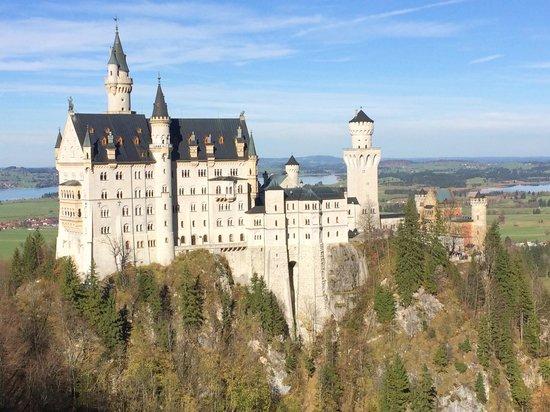 Big Hat Tours: Castle